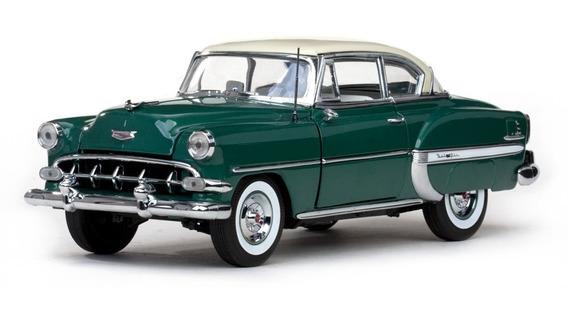 1954 Chevrolet Bel Air Verde - Escala 1:18 - Sun Star