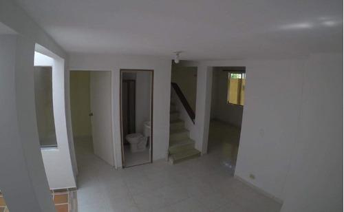 Imagen 1 de 14 de Casa Unifamiliar En Venta - Robledo Cod: 18437