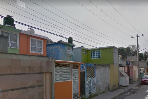 Casa En Remate Bancario, Villa Las Manzanas Coacalco