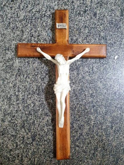 Crucifixo Cruz Jesus Cristo Em Madeira Resina Pendurar 32cm