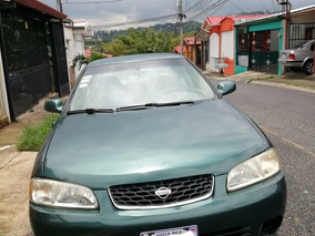 Nissan Sentra B15 4 Puertas. A. 2000.