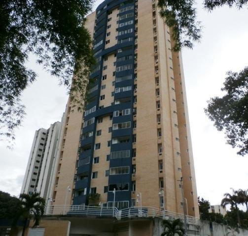 Apartamento Valles De Camoruco, Valencia Carabobo 20-3904 Em