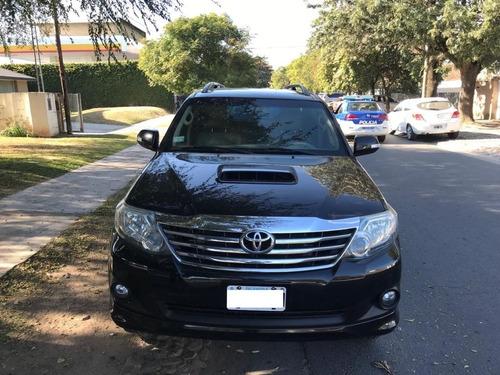 Toyota Hilux Sw4 3.0 4x4 - 2012