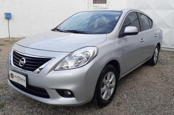 Nissan Versa 1.6 Acenta At