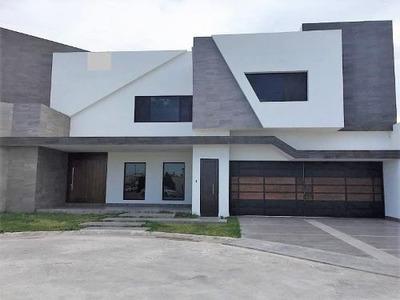 Casa Sola En Venta Fracc Hacienda El Rosario