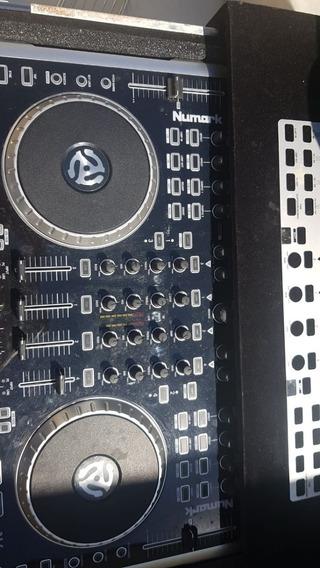 Controladora Numark N4 + Case
