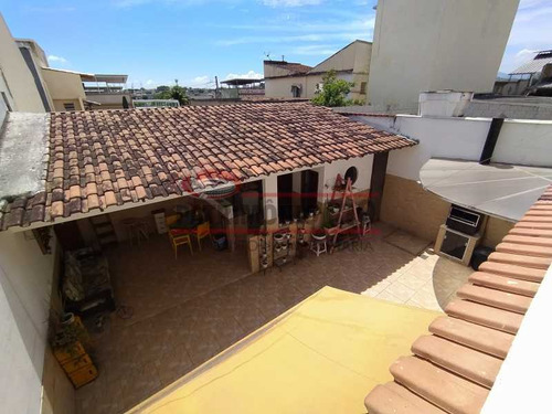 Casa 4quartos Vista Alegre - Paca40193