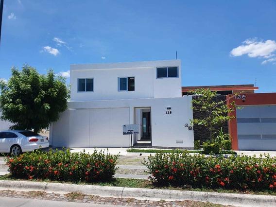 Casa En Renta En Jardines De La Hacienda, Colima