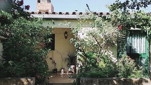 Imagen 1 de 11 de Casa De 4 Ambientes. Dos Habitaciones.