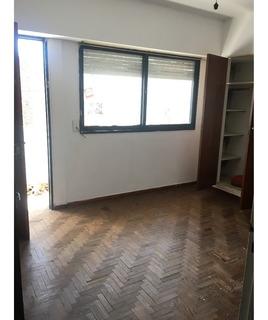 61 E 116 Y 117 - 2 Dormitorios - Balcon