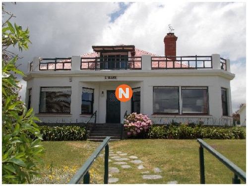 Casa En Venta Y Alquiler, Peninsula, Punta Del Este, 5 Dormitorios.- Ref: 209998