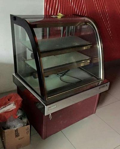 Fabricamos Exhibidoras Laminadas Para Tortas En Acero Inox