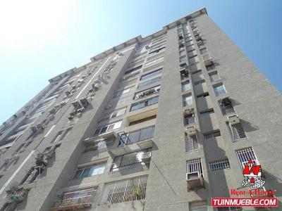 Apartamento En Venta Urb El Centro Codigo 19-9910 Mv