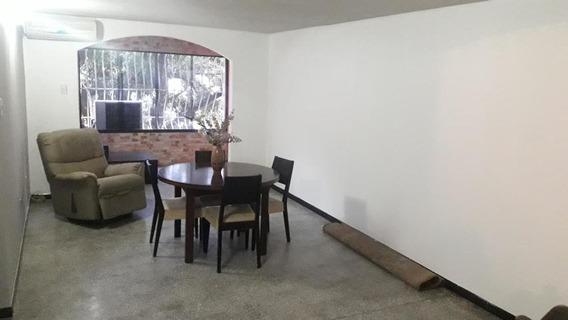 Bello Apartamento En El Centro Maracay Mm 19-15662