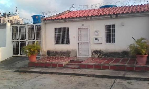 Town House En Res. Coco Mangos. Tucacas, Falcon. Tpc-163