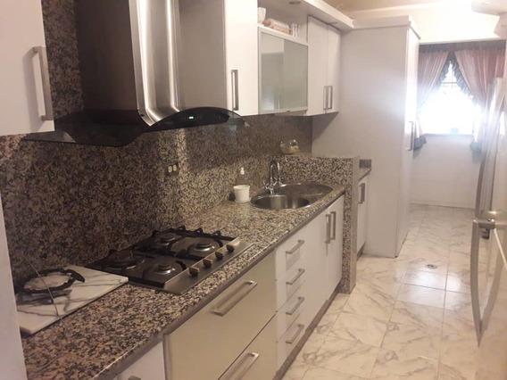Apart/ En Venta/ Resd El Centro/ Auristela R. 04243174616
