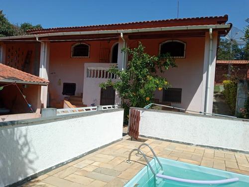 2.080 M², 02 Dormitórios, Churrasqueira E Piscina !!