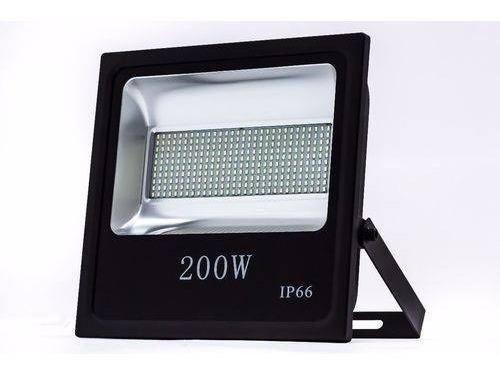 Refletor Led 200w Bivolt À Prova D