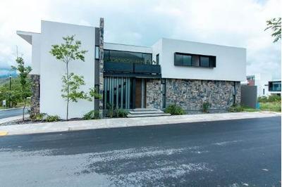 Casa En Venta En Carretera Nacional Valle De Cristal Mty