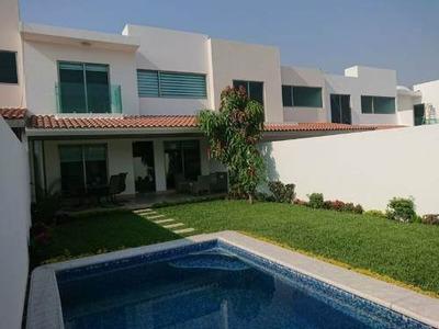 Moderna Residencia Con Jardín Y Alberca En Preventa En Lomas Del Manantial, Tezoyuca