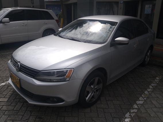 Volkswagen New Jetta Tredline 2014