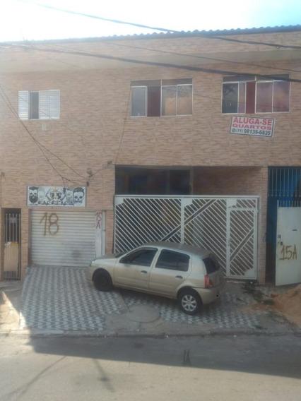 Vinte E Nove Casas De Renda Com Vinte E Sete Banheiros.