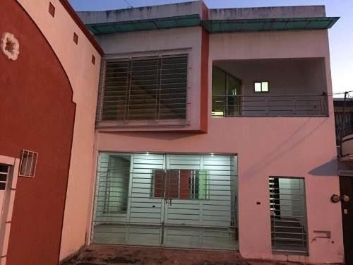 Casa Sola En Venta Villa De Los Arcos