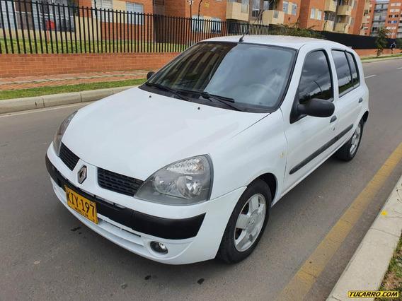 Renault Clio At