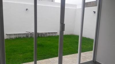 Remate De Preciosa Casa De 2 Plantas En Lomas De Juriquilla En Querã©taro