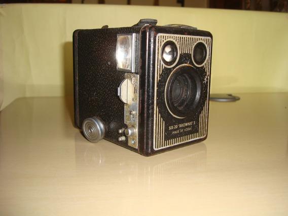 Câmera Antiga Kodak Six-20 Brownie E