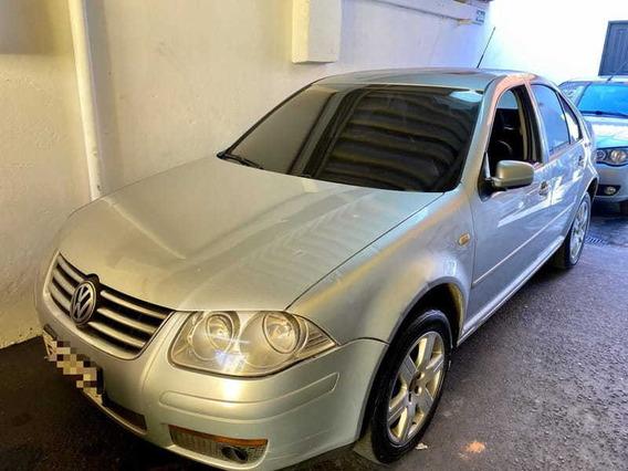 Volkswagen - Bora 2.0 2011