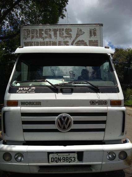 Caminhão Baú Volkswagen 13-180/13-180 E Worker 2p (diesel)