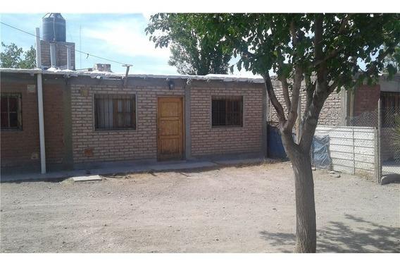 4 Casas/departamentos De Uno Ó Dos Dormitorios