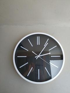 Reloj De Pared Redondo Moderno 36 Cms. Sin Ruido