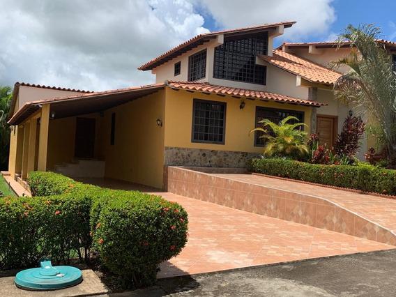 Se Vende Casa En Urbanizacion San Miguel, Primera Etapa