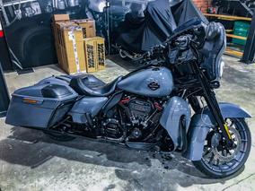 Harley Davidson Street Glide Cvo 2018