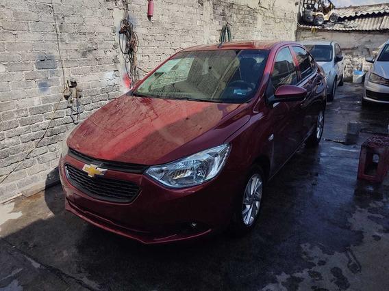 Chevrolet Aveo Versión Lt Cuatro Puertas, Color Rojo Cereza.