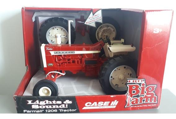 Miniatura Trator Agrícola Case Ih Farmall 1206 - 1/16