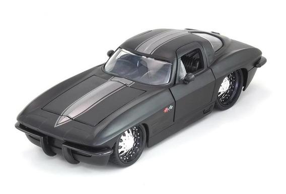 Miniatura Chevy Corvette Sting Ray 1963 Preta Fosca 1:24