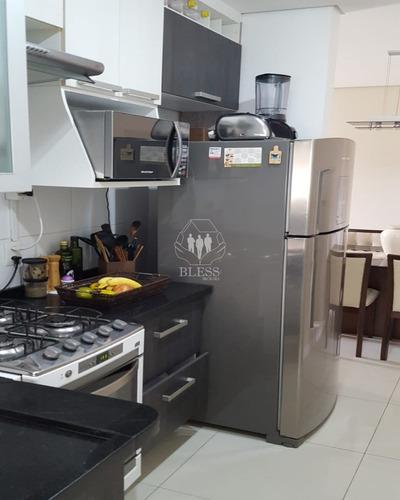 Lindo Apartamento Em Condomínio Fechado Portaria 24 Horas Residencial Vitória!  Vista Livre  2 Dormitórios Com Piso Laminado, Sala ( Fica O Painel Da - Ap03579 - 69365121