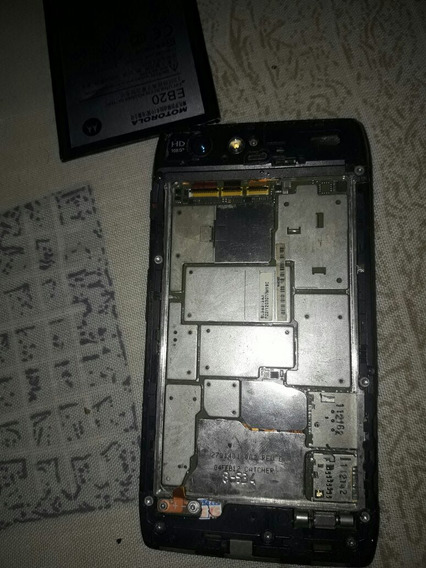 Motorola Razer Vidrio Astillado Y Ay Q Comprale La Bateria