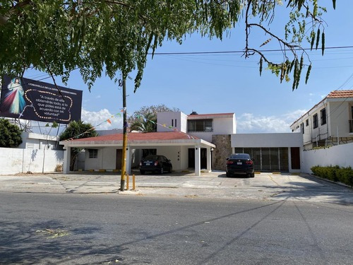 Ren Ta Casa Sobre Avenida Comercial!! Escuela, Oficina, Negocio- Mérida