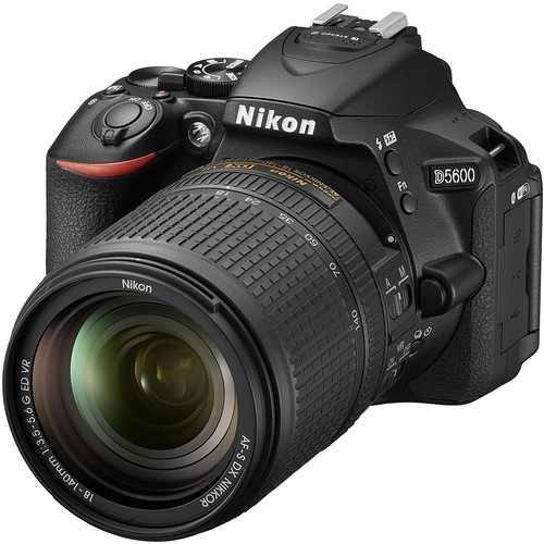 Nikon D5600 18-140vr 24.2 Mpx Lcd 3.2 Full Hd Wifi Bluetooth