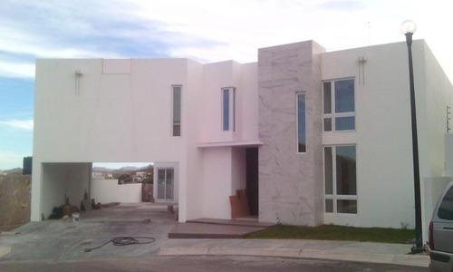 Se Vende Residencia De Lujo Con Alberca En Fraccionamiento Exclusivo