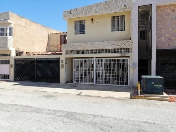 Casa En Alquiler Las Naciones Maracaibo Api-4949