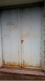 Puerta Doble De Metal