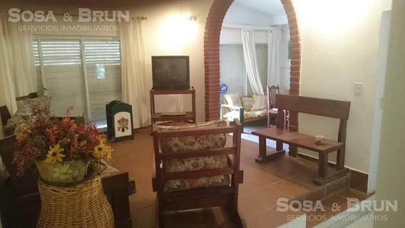 Casa De 4 Dormitorios- Villa Carlos Paz