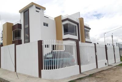 Casa Independiente De 110m2.