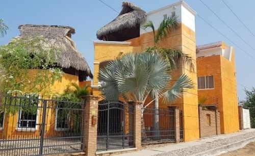 Casa En Venta En Carrizalillo, Puerto Escondido, Oaxaca.