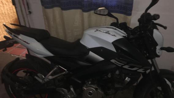 Bajaj Pulsar Ns200